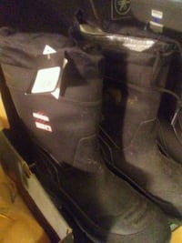 pair of black fur-lined boots Surrey, V4N 0K3