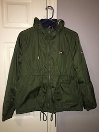 green zip-up jacket London, N6K 4W9