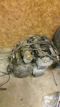 black and gray yamaha 1100 engine and wire harness