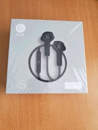 B&O Beoplay H5 Wireless Headphones  Toronto, M1V 4S7