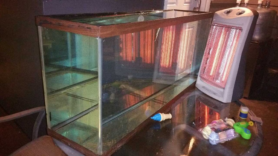 Used 55 gallon fish tank no leaks works perfect in oak forest for How to fix a leaking fish tank