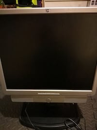 HP monitor with speakers  London, N6H
