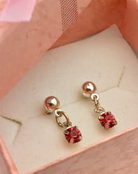 New! Silver coloured dangle earrings with pink gems Brampton, L6R 1X5