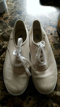 pair of white leather shoes Riverview, E1B 1V3
