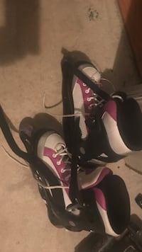 White and purple roller blades Gatineau, J9J 3X2