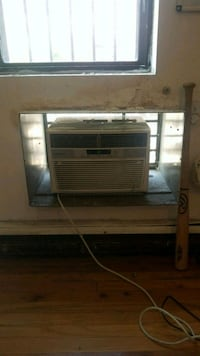 Air conditioning unit 6000 BTU Brooklyn, 11206