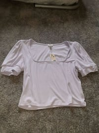 Lavender colour crop top  Edmonton, T6W 1A3
