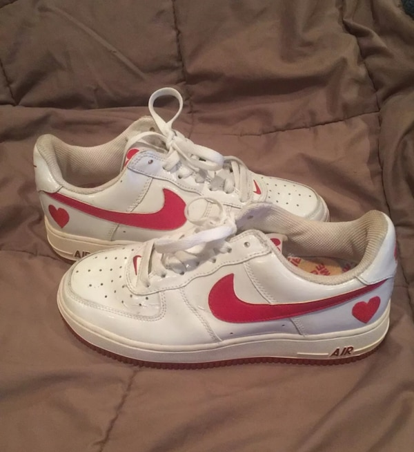 low priced 94603 44b78 Rare Women's Nike Air Force 1 White Varsity Red Heart Swoosh Valentines  Size 7.5