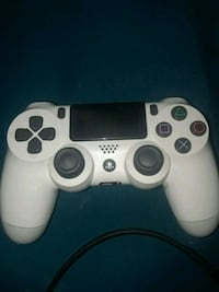 white Sony PS4 wireless controller Miami Gardens, 33056