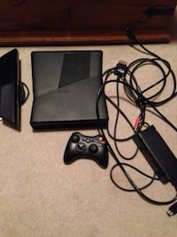 Xbox 360 with Kinect camera and wireless controller.  Innisfil