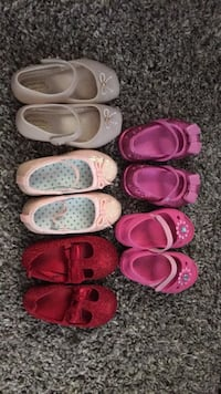 Toddler size 6 all for 60$. Looks brand new, 2 crocs, mini melissa, h&m and carters. Smoke free and pet free Edmonton, T6L 5X1