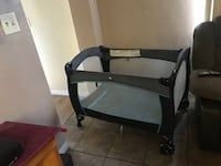 Black and gray travel cot Bartow, 33830