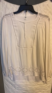 Long sleeve Old Navy white  blouse Baltimore, 21231
