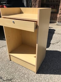 Cash counter 2'X2' brand new