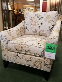 Emberlyn accent chair Wilkes-Barre, 18702