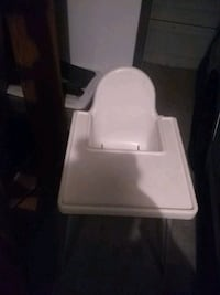 High chair to feed baby Antioch