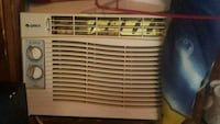 white window-type air conditioner Winnipeg, R3G 1V2