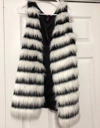 white and black fur vest Vienna, 22182