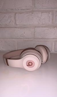 Beats by Dr Dre Limited Edition Headphones  Laval, H7X 2G1