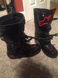 Pair of black-and-red alpinestar bike boots women's size 8 never used! San Francisco, 94103