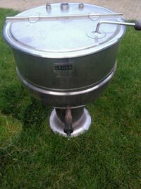 Stainless steel steam kettle Toronto, M4W 1A8