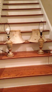 Antique  beige-and-white floral table lamps