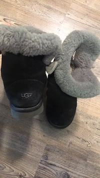Pair of black ugg boots womansize 6 伦敦, N6H 5V2