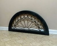 WOOD/WROUGHT IRON/ WALL DECOR.....EXCELLENT CONDITION 634 mi