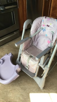 Baby's gray and white swing chair Arlington, 22204