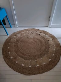 Round Jute-Rug-Good condition-D:127cm-for sale Plateau M.Royal