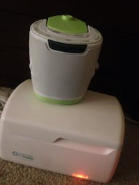 white and green speaker and humidifier