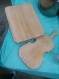 Two wooden cutting boards Fairfield, 07004