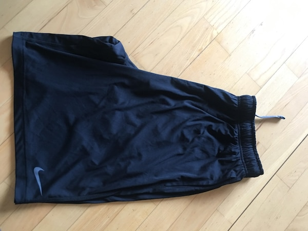 Nike shorts str XL