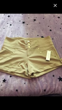 Brand new shorts size XL  must sell
