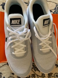 Nike shoes size 12 Phoenix, 85037