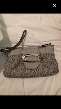 Like new real guess clutch Montréal, H4E