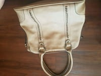 Purse Kamloops, V2B 2R8