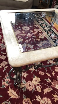 """Coffee Table, glass top - 38"""" x 38"""" x 16"""" Lake Forest Park, 98155"""