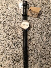 BURBERRY: Round silver analog watch with black leather strap Vancouver, V5X