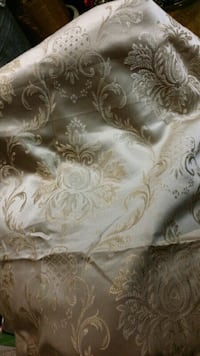 Damask mat gold shower curtain Baden, N3A 3P1