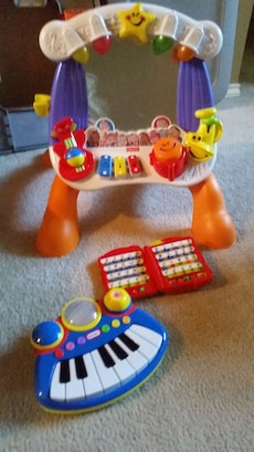 FIsher Price laugh n learn light up musical stage