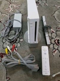 Nintendo Wii system with all wires and 1 controller  Vaughan, L4L