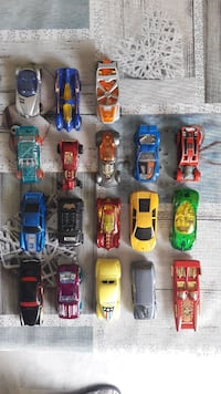 18 COCHES HOT WHEELS Fuengirola, 29651