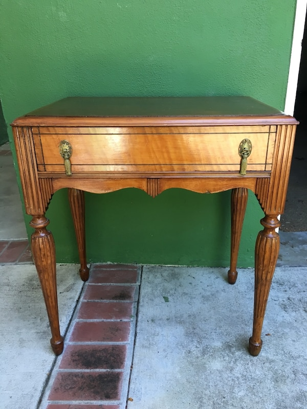 sneakers for cheap 8cb1e 239a2 Antique dressing table/side table