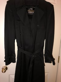 Black Men's London fog trench coat with removable insert.  Size 38 R Germantown, 20876