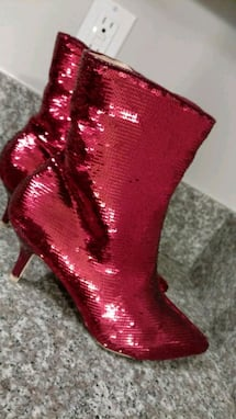 New with box, Holiday boots, size 7