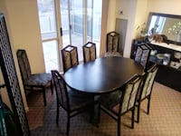 Dining table & 8 chairs (M8V 3X1) Toronto