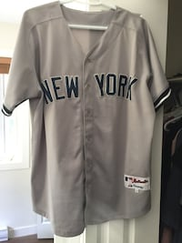 gray and black New York Yankees jersey shirt null, V0R