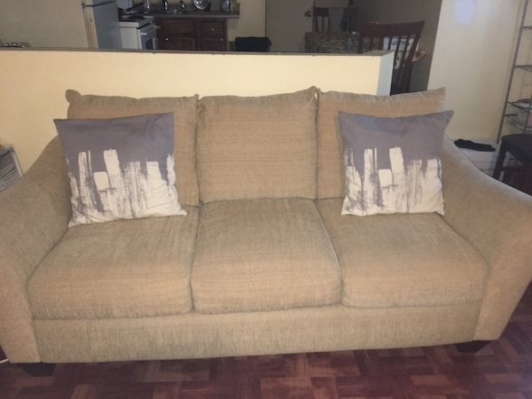 gray and white fabric sofa 9ebe37bf-df1c-4c5d-bb53-cfe3189b8c9d