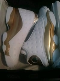 Never worn shoes size 11